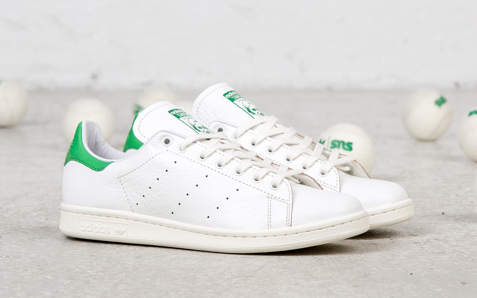 adidas-originals-consortium-stan-smith-aniline-leather-detailed-images-11