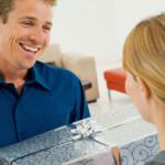 Как выбрать оригинальный подарок куму